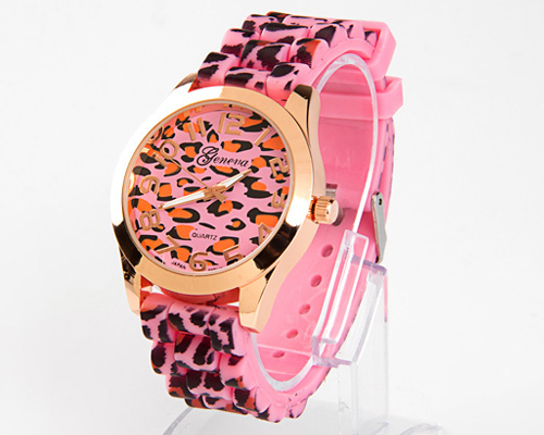 casual accessories watches with leopard print watch face and watch strap