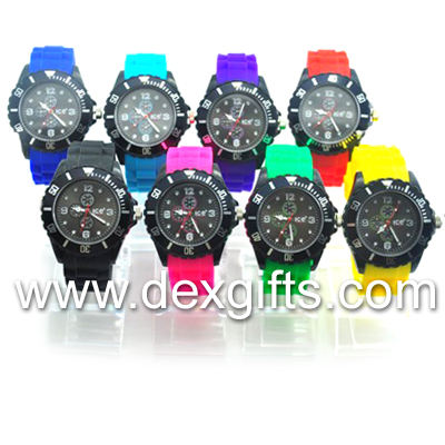 Chronograph silicone watches featuring 24-hour, 60-minute and continuous seconds subdials