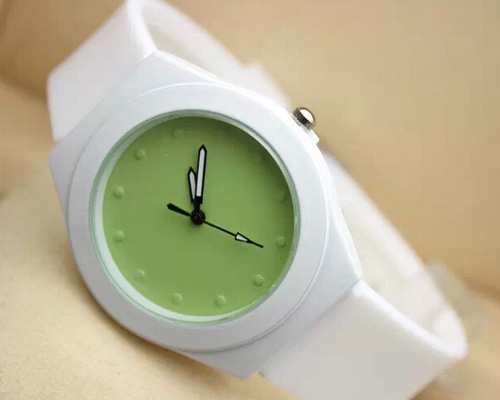 white watchband colorful dial silicone quartz watch