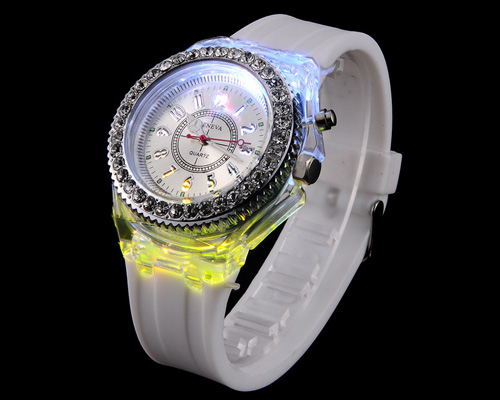 rhinestone-glowing-watch-2