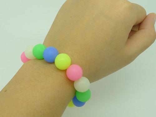 silicone-beaded-bracelet