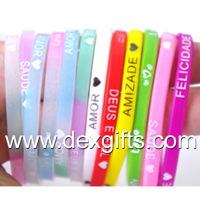 custom 0.5cm wide silicone wristband for promotional gift can be glow in the dark