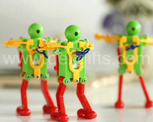 winding up robot clockwork toy (3)