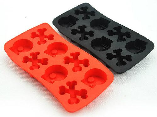skull-bones-ice-cube-tray-4
