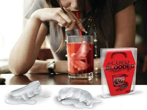 vampire's-teeth-ice-cube-tray (2)